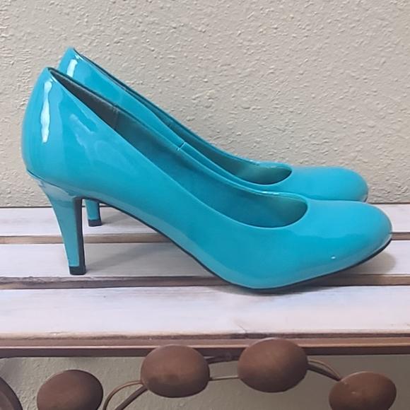 Comfort Plus by Predictions Turquoise Heel